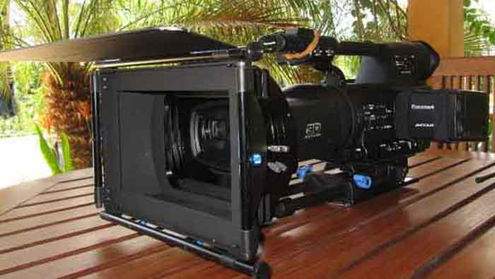 We rent a wide variety of HDTV or Film cameras.