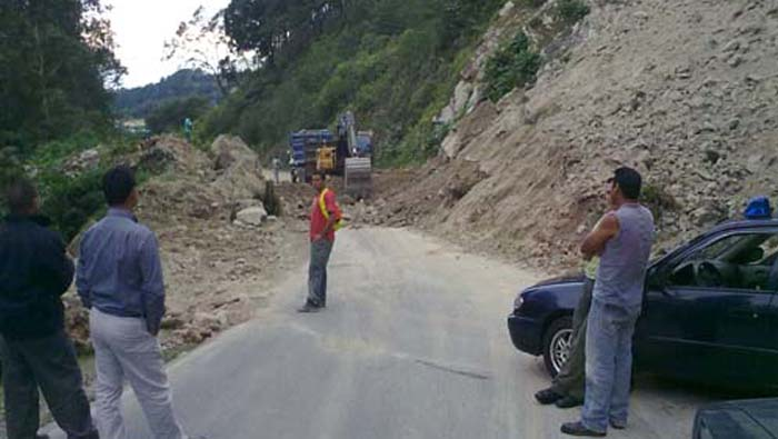 A landslide at Cerro de la Muerte delayed the production for 3 hours. Sorry Ian, we'll make it up to you!